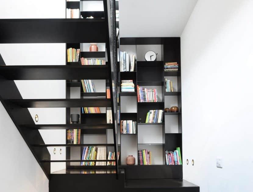 ספריה בגובה 5 מטר