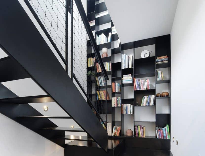 ספריית פלדה דקורטיבית