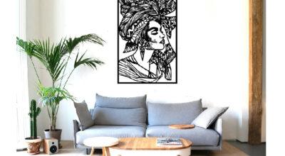 תמונת קיר מעוצבת העשויה ממתכת בעיצוב אישה